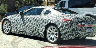 Тестирования большого Lexus купе в Калифорнии